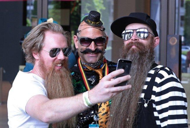 比利時安特衛普(Antwerp),18日舉行「世界鬍鬚錦標賽」。 路透