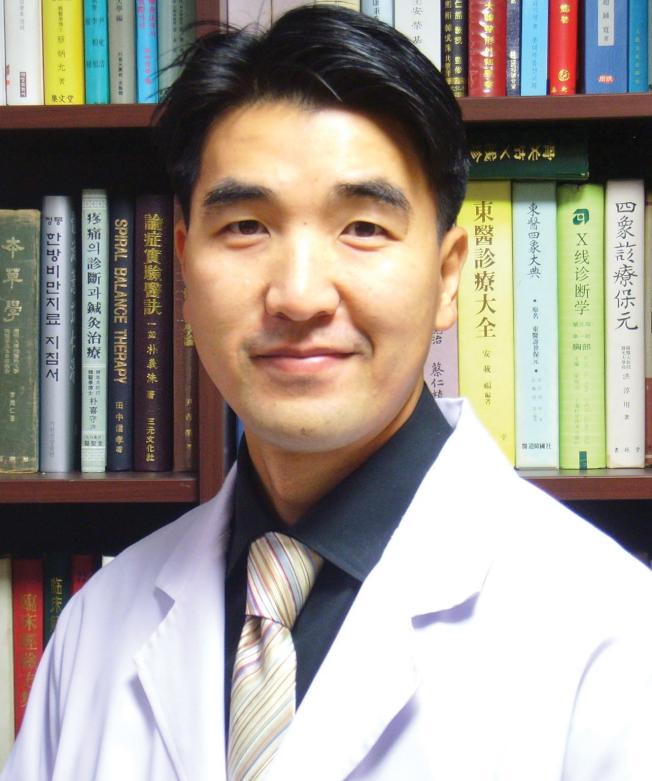 態度親切誠懇、醫術精湛的延泰欽醫師