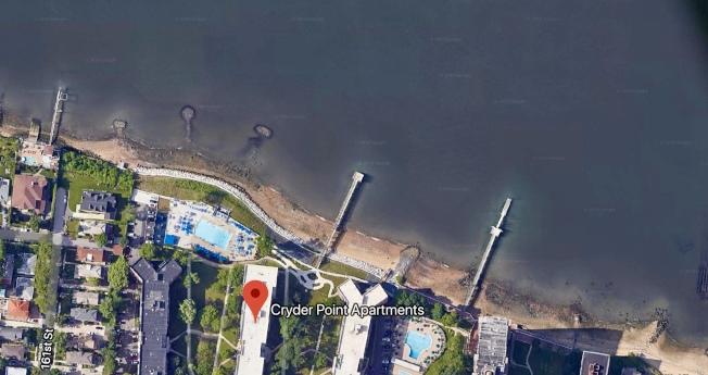 小頸灣海灘上驚現浮屍。(取自谷歌地圖)