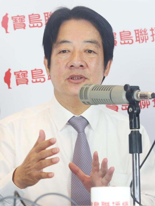 行政院前院長賴清德21日上午接受寶島聯播網專訪,表示「任何人要贏一定要乾淨贏」。(記者林俊良/攝影)