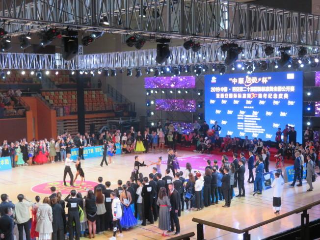 比賽會場共有約3000名選手參賽,競爭激烈。 (記者王又春╱攝影)