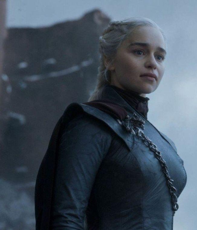 丹妮莉絲最終仍未能成為鐵王座主人。(圖:HBO提供)