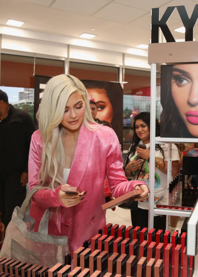 個人美妝品牌打入Ulta零售通路,大幅提升銷售。(Getty Images)