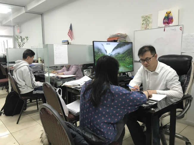 特殊高中入學測驗難度高於日常教學,學生需要花費額外時間準備考試。(記者劉大琪/攝影)