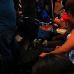 地鐵車廂內餵鼠 乘客嚇壞