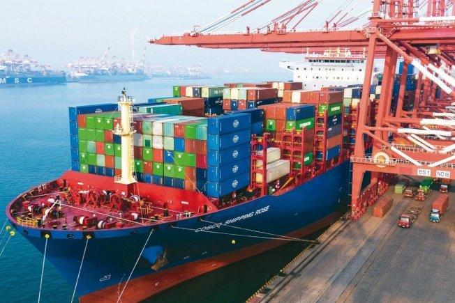 國際貨幣基金研究學者23日發表報告指出,美國總統川普對中國輸美產品加徵關稅,幾全由美企付費。 美聯社