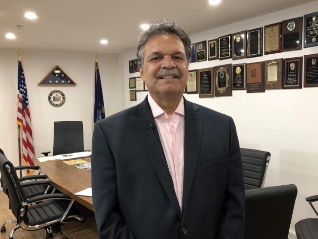奧迪茲日前提出一項新議案,幫助紐約州的無證移民接受腎臟移植服務。(記者顏潔恩/攝影)
