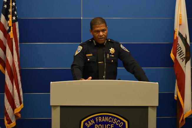 警察局長史考特本周二在總部舉行記者會,稱被扣查的記者涉及刑事犯罪,引來更多的指責。(記者李秀蘭/攝影)