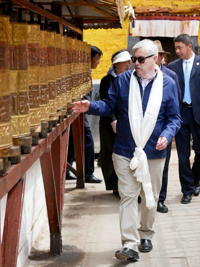 美國駐中國大使布蘭斯塔德(Terry Branstad)本周罕見走訪西藏。美聯社
