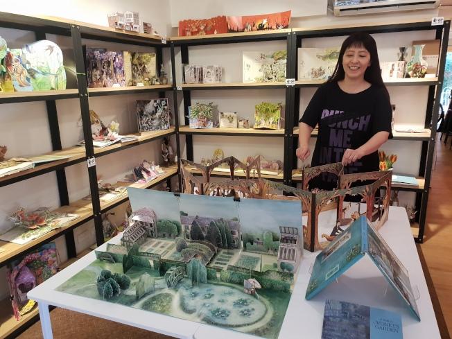 「We Do有度立體實驗室」。書店的主角是文自秀的立體書收藏,每月變換主題。記者陳宛茜/攝影