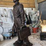 獻給六四30周年 雕塑家陳維明趕製坦克人