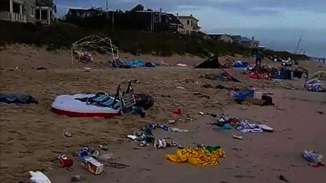 國殤日周末活動結束後,維吉尼亞州有一個海岸幾乎變了垃圾場,清除的垃圾總量多達10噸。(取自臉書)