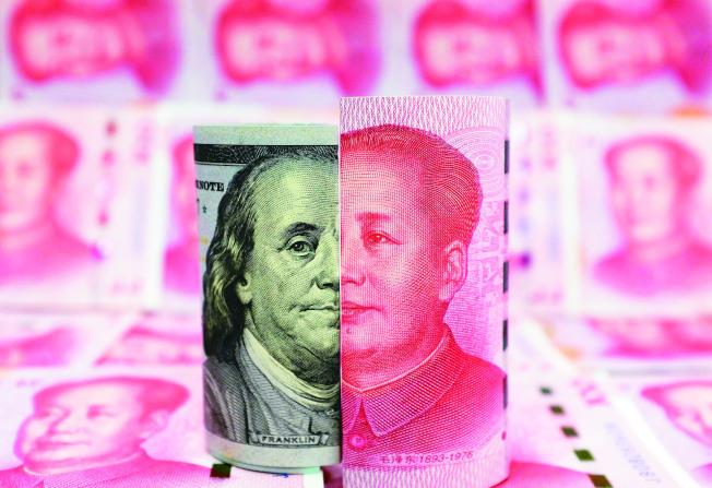 美國財政部公布最新匯率報告,中國被列入觀察名單,財長米努勤點名人民幣匯率缺乏透明度,要求中方採取必要措施。(路透)