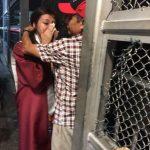 18歲墨女畢業 邊界淚擁無證父
