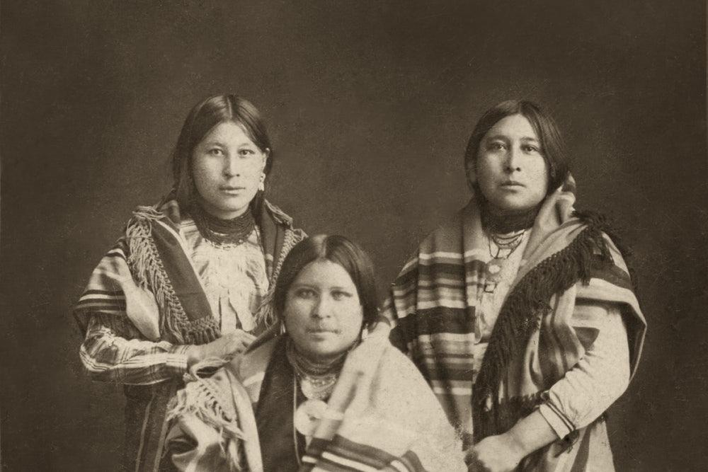 左起:米妮、安娜、莫莉。