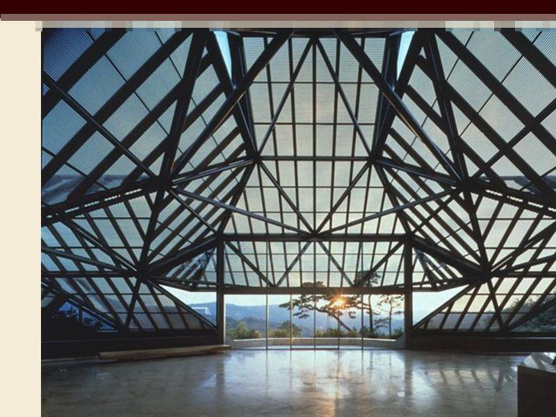 美秀博物館是貝聿銘在日本留下的桃花源,位於山林深谷,吊橋和隧道通向美術館,也是建築與天然環境融合的表現。(圖取自滋賀美秀博物館網站www.miho.or.jp)