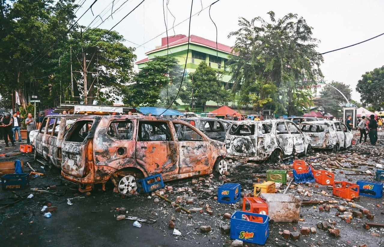 印尼總統大選結果公布後,落敗者普拉伯沃的支持者在選舉監督委員會前發起大規模抗議。Getty Images
