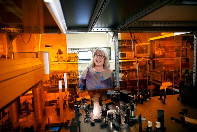 唐娜.史崔克蘭在加拿大滑鐵盧大學實驗室。(Getty Images)