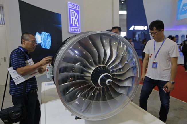 英國飛機引擎製造商「勞斯萊斯」設計新引擎「超扇」,比圖中第一代「特倫特」引擎節能25%。(美聯社)