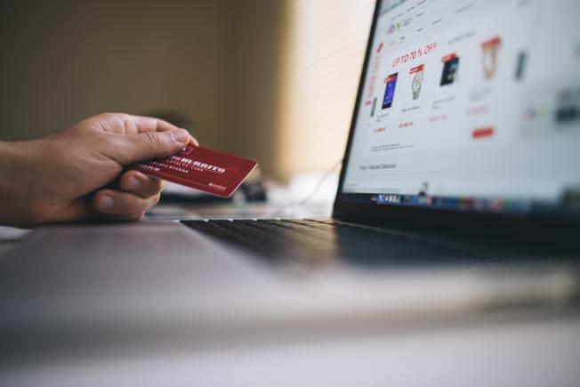 想省錢,要停止「快速購買」的習慣。(Pexels)