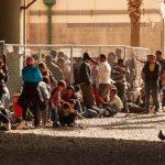 艾爾帕索拘留中心擠爆…125人房關了900人 移民站馬桶上
