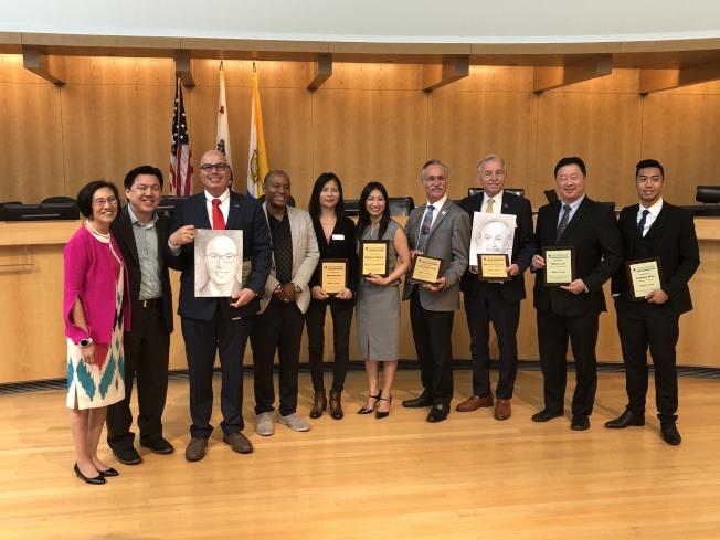 智能城市大會邀請灣區多個城市的市長、市議員進行論壇,討論智能城市的應用與發展。(記者林亞歆/攝影)