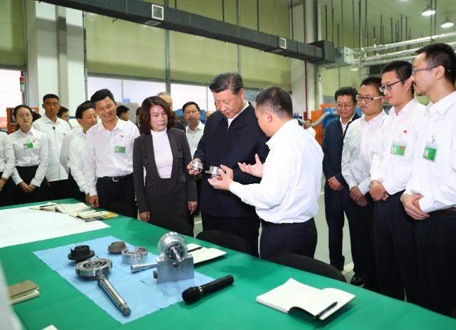 中共總書記習近平去年十月赴廣東珠海考察民營企業的格力電器。(新華社)