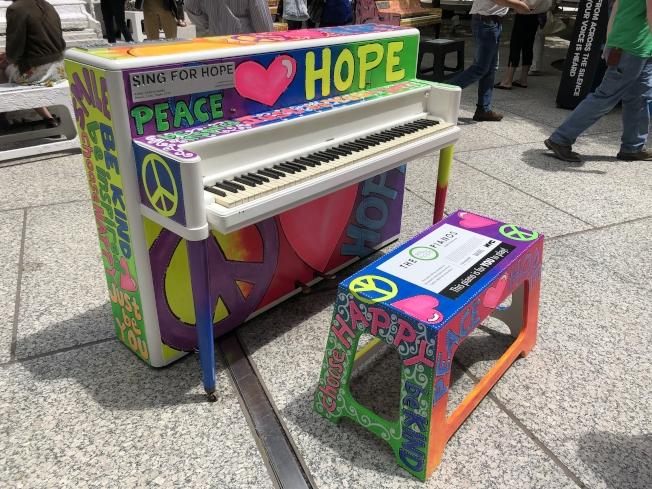 每架鋼琴都獨一無二,各具風格。(記者張晨/攝影)