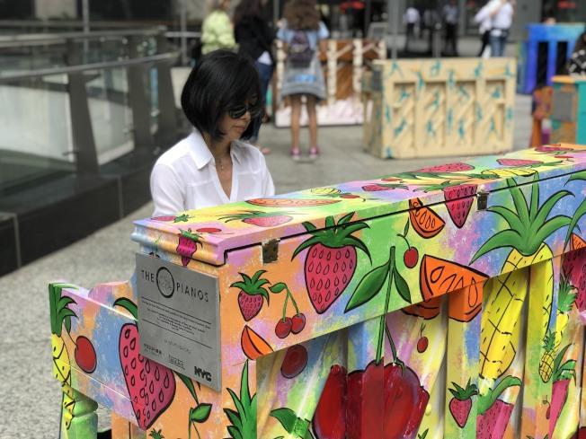 韓裔鋼琴老師Yejin Han現場演奏。(記者張晨/攝影)