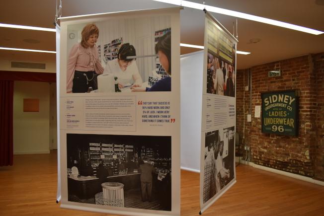 租客博物館首次與市小商業服務局合作,推出「移民代表著商業:持續的創業歷史」攝影展。(記者顏嘉瑩/攝影)