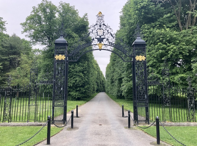 老威斯特伯瑞花園的入口。(記者朱蕾/攝影)