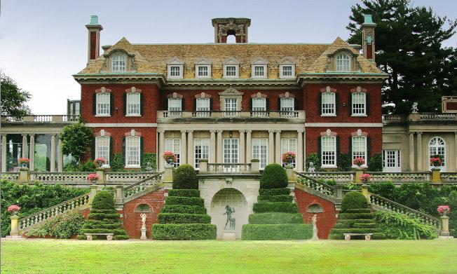 老威斯特伯瑞花園內雄偉的建築。(取自花園官網)