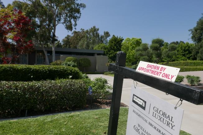 房產經紀多表示,千萬級的豪宅出售速度,比不上200萬以下的房屋。(記者李雪/攝影)