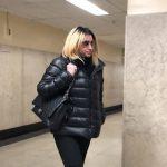 地鐵辱華人案將預審 白人女嫌犯換律師