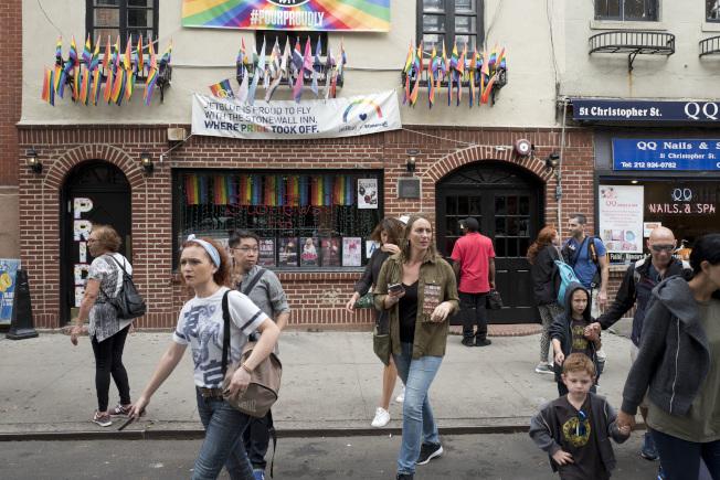 紐約市警察局長歐尼爾6日代表警局為1969年石牆酒吧(Stonewall)騷亂期間,警察所採取的行動道歉。圖為石牆酒吧。(美聯社)