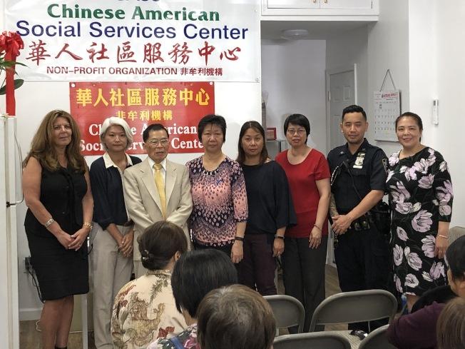 布碌崙華人社區服務6日舉行社區會議,討論取締非法按摩院相關方式。(記者顏潔恩/攝影)