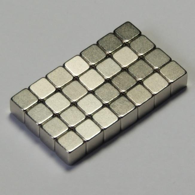 在美中貿易戰中,中國若禁止磁鐵輸美,比禁止稀土原料更具殺傷力。圖為釹磁鐵(Neodymium magnet)。(取材自維基百科)
