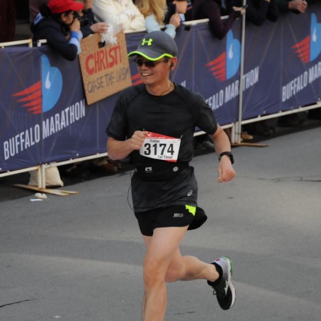 王玉葆參加了2019年的波士頓馬拉松比賽。(王玉葆/提供)