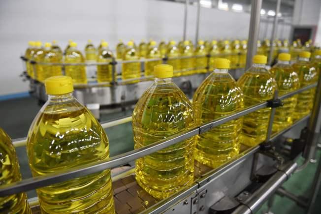 食物油是否影響健康取決於加熱時的反應,包括燃點和穩定性。(Getty Images)