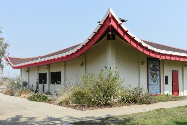 建築設計具中國元素的中國營小學。