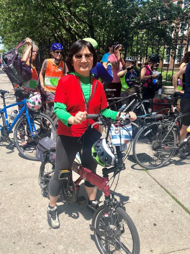 陈宝嘉很喜欢骑自行车。(记者朱蕾/摄影)