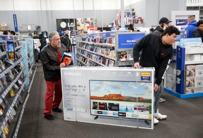 美中貿易戰,將讓電視機價格變貴。(Getty Images)