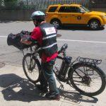 針對移民外賣郎執法?維權組織籲電單車合法