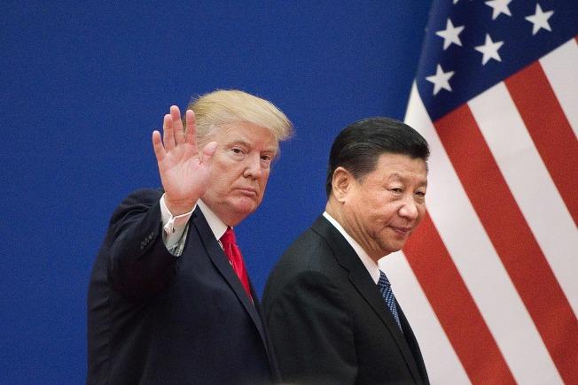 美國總統川普今天接受CNBC電視台訪問時表示,他期待月底與中國國家主席習近平在20國集團(G20)峰會期間舉行會談。圖為兩人於2017年11月在北京人民大會堂見面。Getty Images