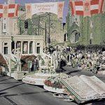 睽違50年 漢庭頓圖書館重返玫瑰花車遊行