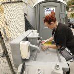 流動廁所一座34萬元! 洛城解決遊民問題成本嚇人