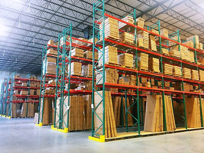 倉庫寬敞、貨品可實現快速調配