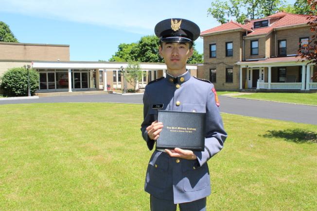 朱高航以第一名的成績畢業。(記者劉大琪╱攝影)
