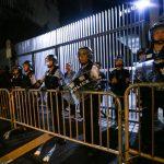 抗議愈演愈烈 港立法會發布黃色警示