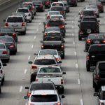 不甩車商訴求 白宮堅持放寬汽車排放要求